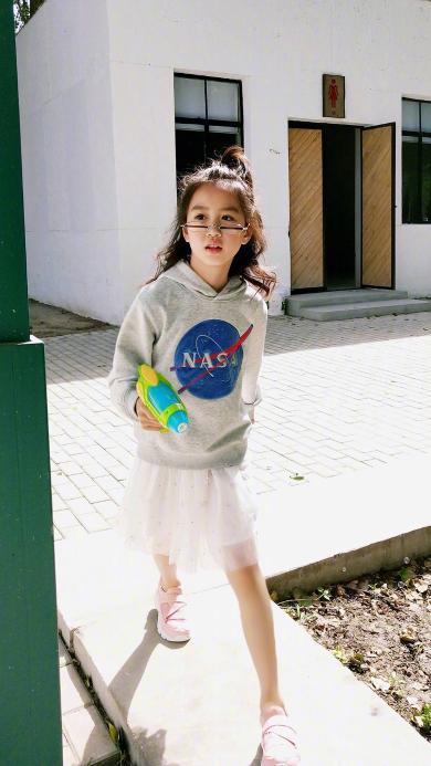 考拉 小女孩 时尚 儿童 写真