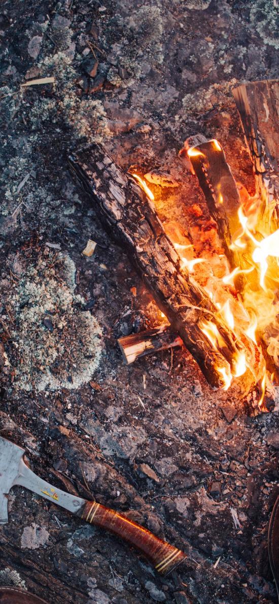 户外 斧头 燃烧 木柴
