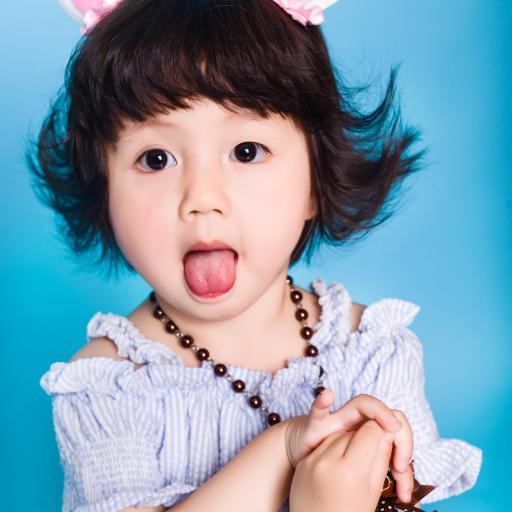 小女孩 可爱 吐舌 儿童 孩子