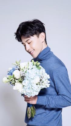 邓伦 歌手 演员 明星 艺人 鲜花 花束