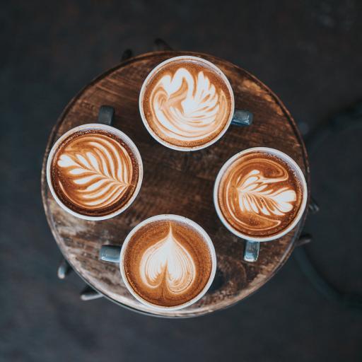 咖啡 木椅 拉花 创意