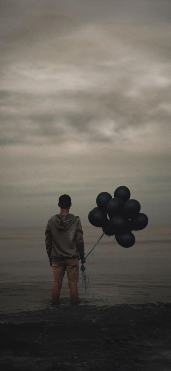 背影 孤独 气球 灰暗 男子 岸边