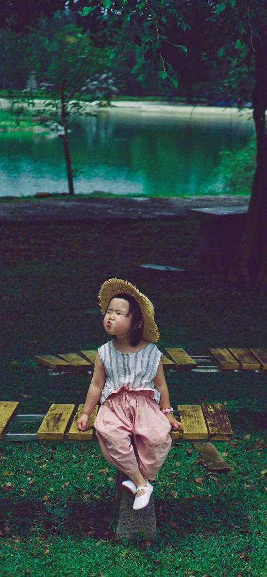 小蛮 小网红 小女孩 儿童 欢乐 草帽 嘟嘴