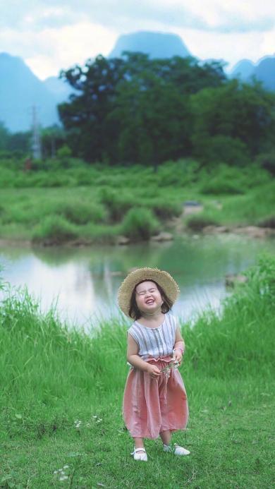 小蛮 小网红 小女孩 儿童 欢乐 草帽 郊外