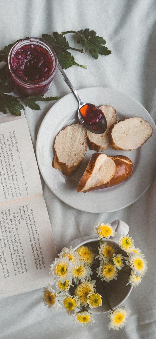 静物 书本 面包 雏菊 果酱
