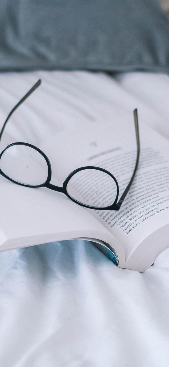 静物 书本 眼镜 简约
