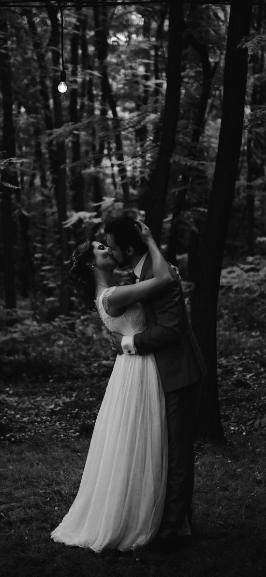 森林 欧美情侣 拥吻 爱情