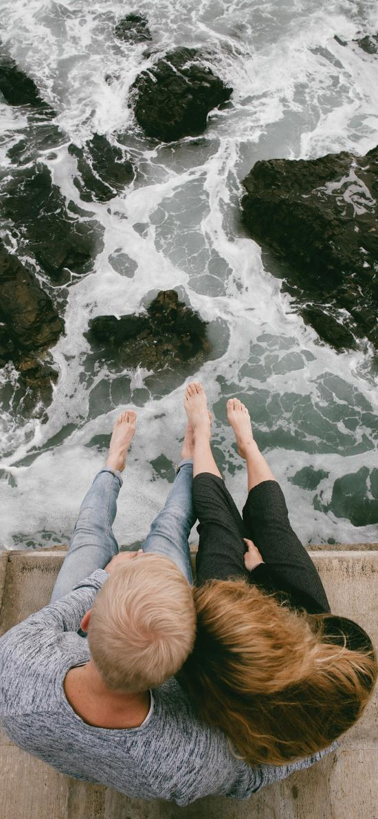 情侶 海岸 海邊 海浪 倚靠