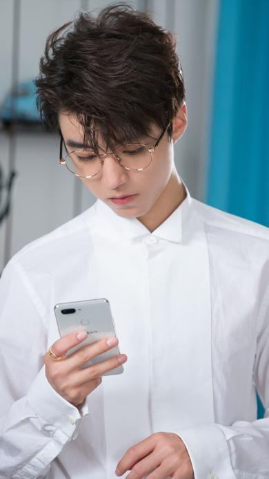 王俊凯 tfboys 歌手 演员 明星 手机