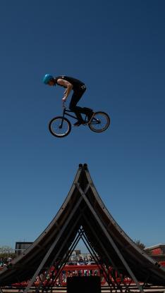 单车 自行车 花式 刺激 极限 运动