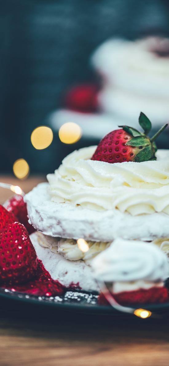 精致 甜品 糕点 奶油 草莓