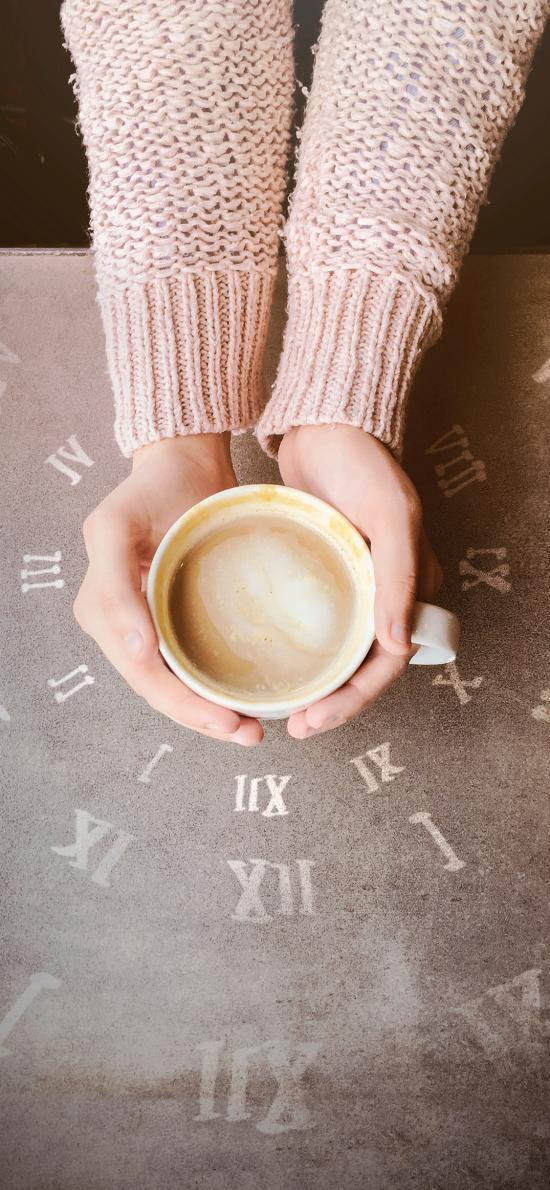 咖啡 手部 罗马数字 围绕