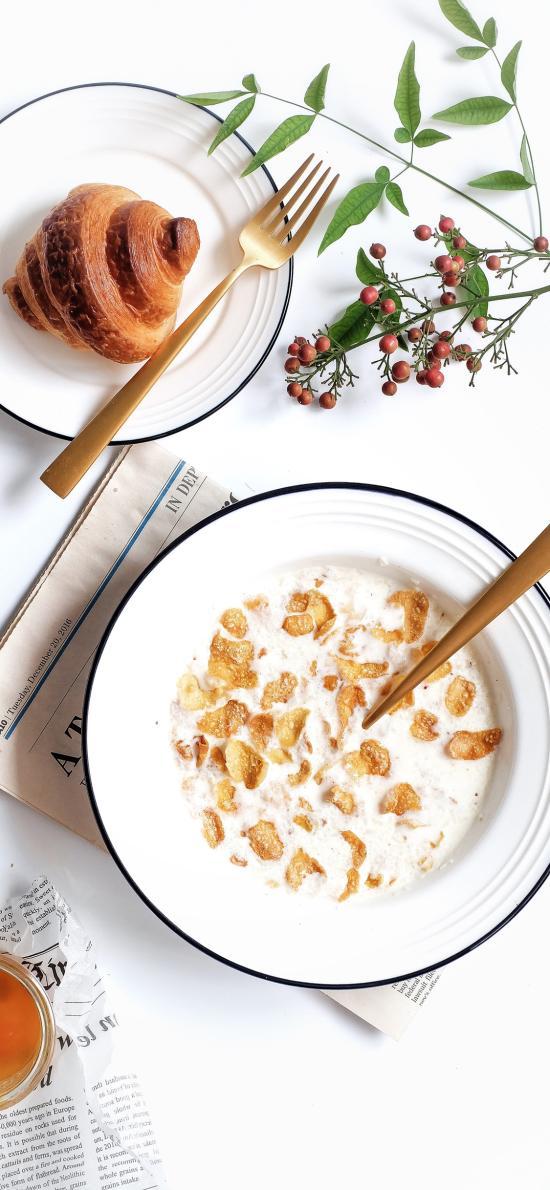 早餐 玉米片 牛角包 健康 牛奶