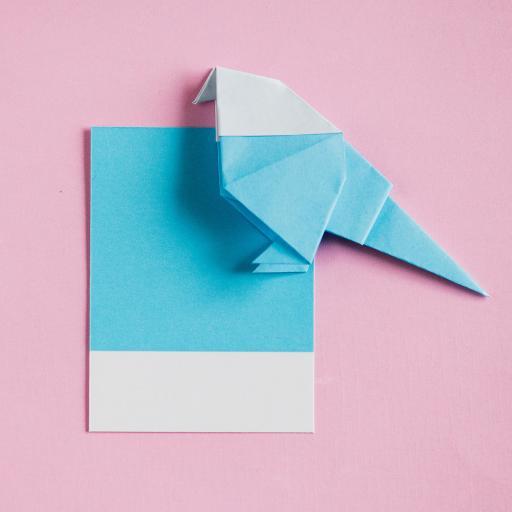 粉色背景 折纸 小鸟 手工