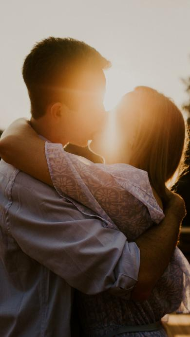 情侣 拥吻 爱情 阳光