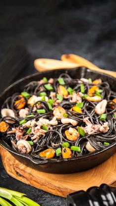 主食 面条 黑色 海鲜 鱿鱼