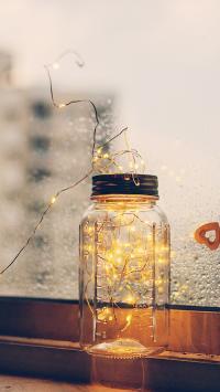 玻璃瓶 彩灯 窗台 意境