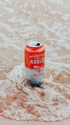 啤酒 易拉罐 铝罐 海水 海浪