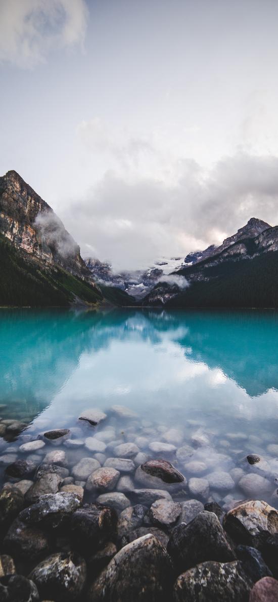 湖泊 鹅卵石 镜面 高山