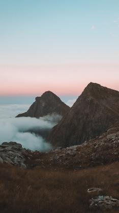 山顶 山顶 云层