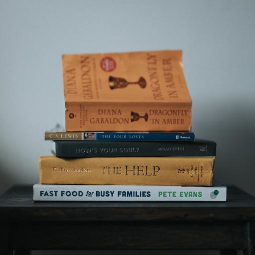 书本 阅读 叠放 知识