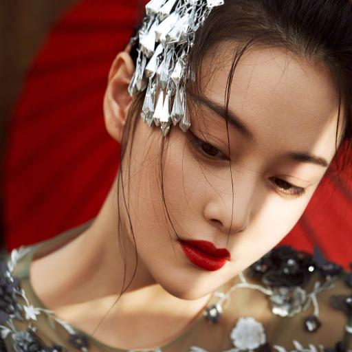 张馨予 演员 明星 艺人 红伞
