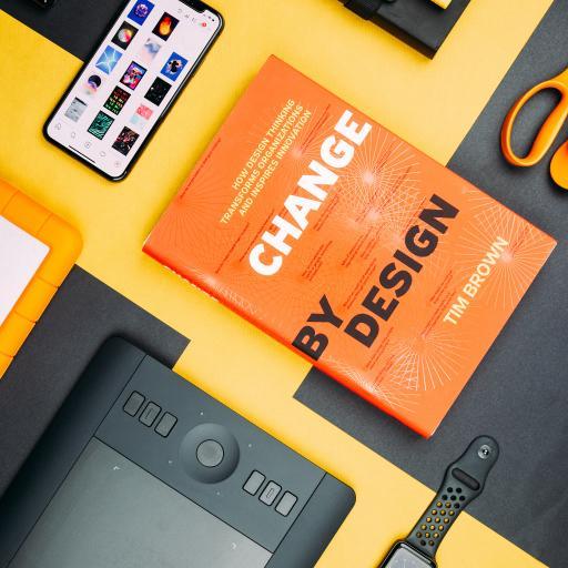 静物 电子产品 数位板 手机 书本