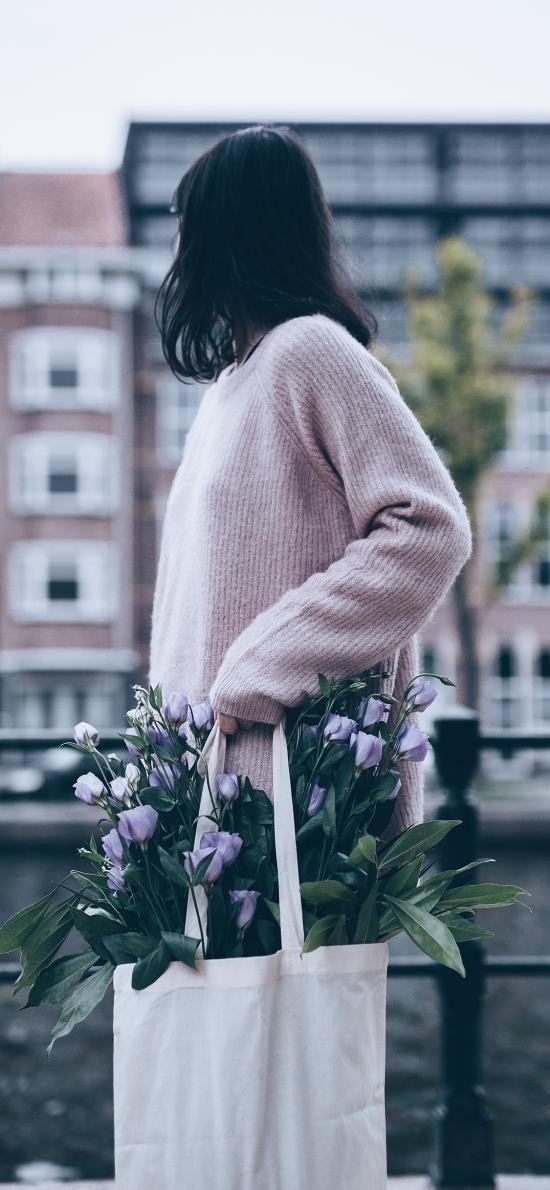 女孩 侧面 帆布包 鲜花