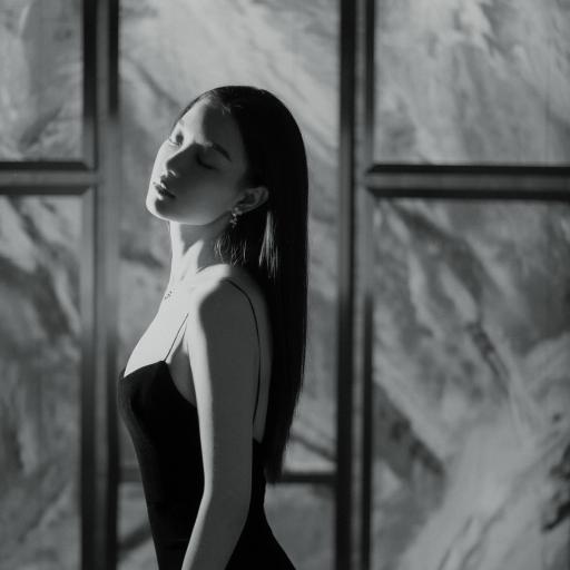 倪妮 演员 明星 艺人 黑白 性感 吊带