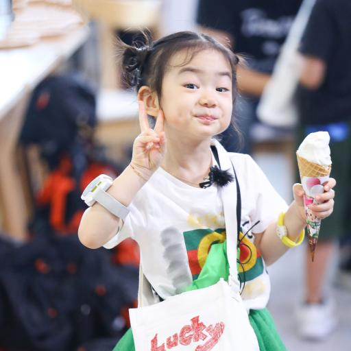 Lucky 李乐褀 小女孩 可爱 综艺 想想吧爸爸 剪刀手