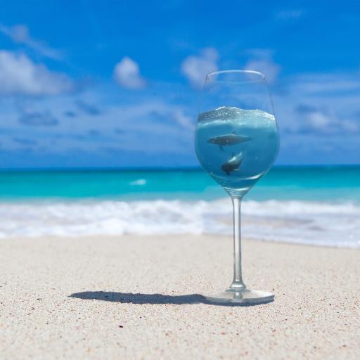 高脚杯 蓝色 沙滩 大海 海浪