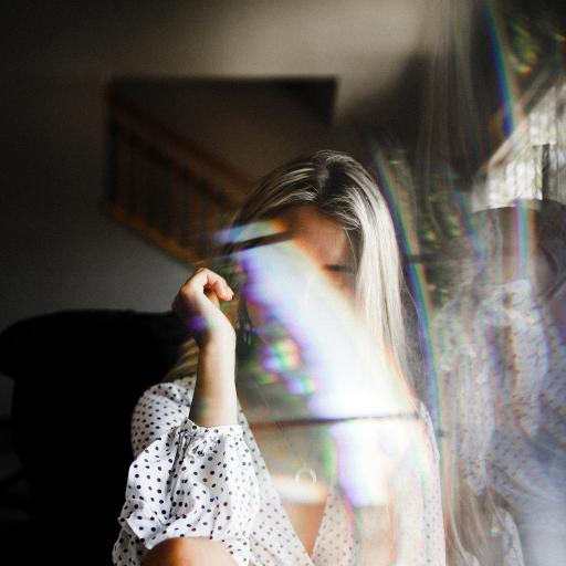 女孩 写真 彩虹光 创意