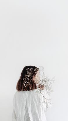 背影 洁白 满天星 短发