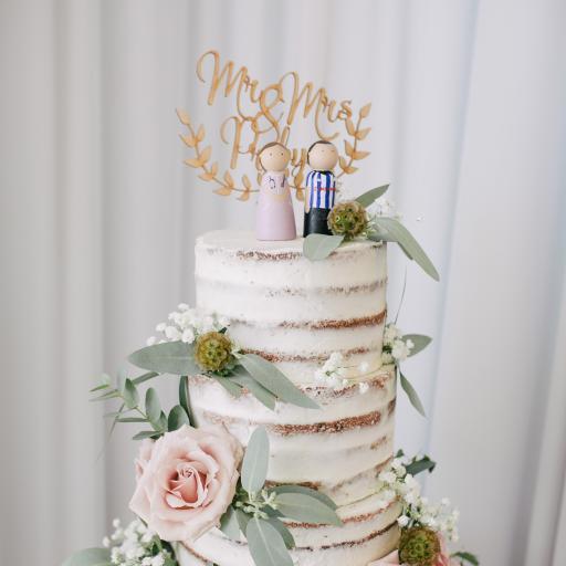 蛋糕 玫瑰 鲜花 装饰 婚礼 精致
