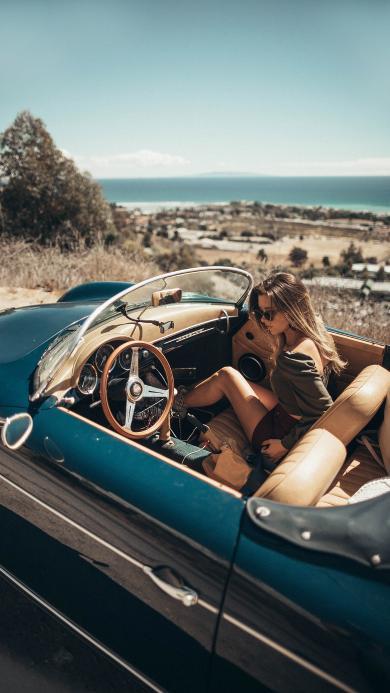 欧美美女 郊外 敞篷车 写真