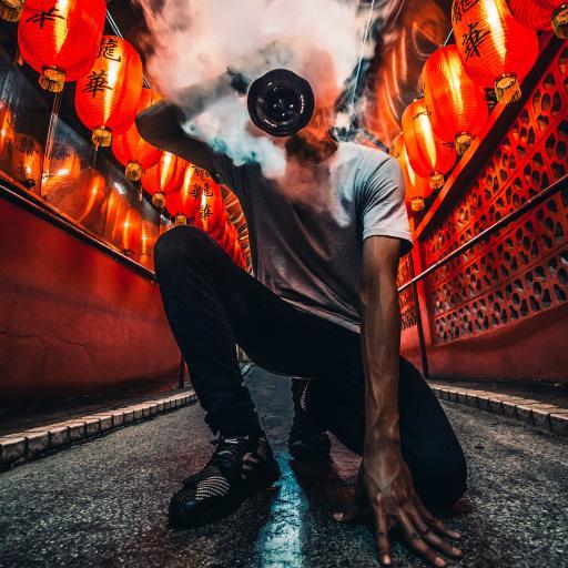 型男 摄影师 相机 烟雾