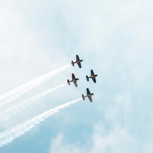 演习 飞机 喷雾 尾气