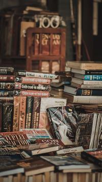 书籍 书本 摆放 堆放 阅读 书店