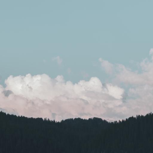 太空 云朵 山 树木 唯美