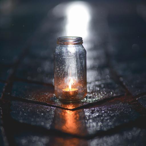 烛火 玻璃罐 火光 燃烧