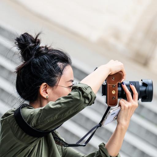 美女 摄影师 单反 拍摄