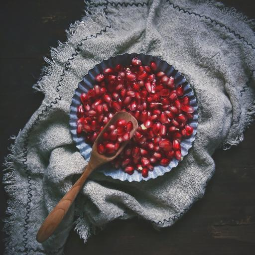 盘子 水果 石榴 红宝石