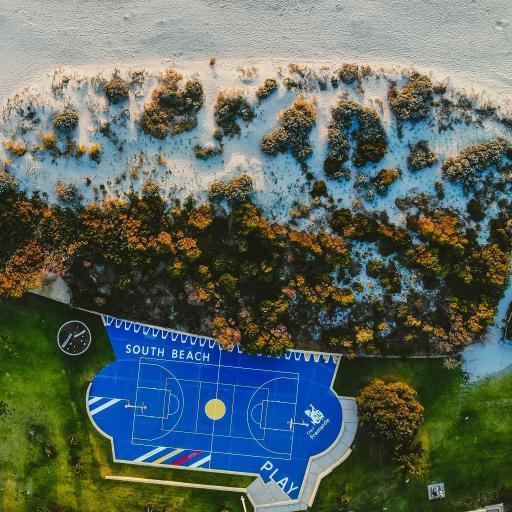 航拍 海滩美景 篮球场 植树