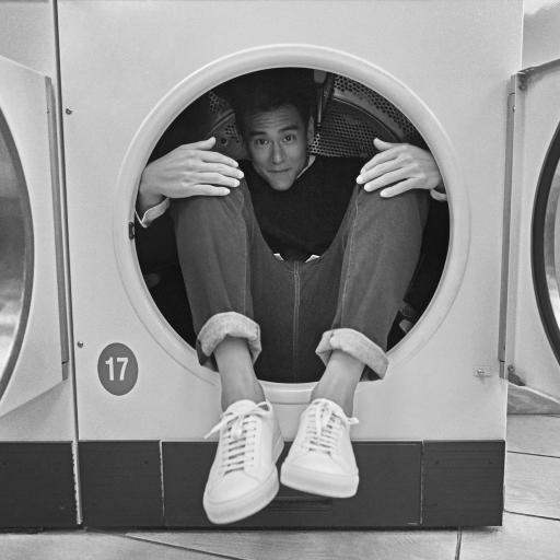 彭于晏 台湾 演员 明星 艺人 黑白 洗衣机 搞怪