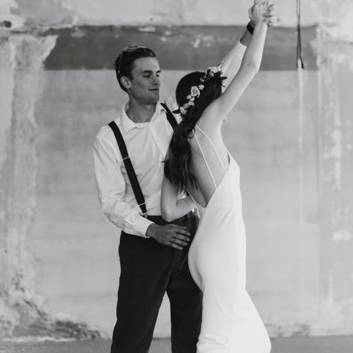 欧美 情侣 跳舞 黑白