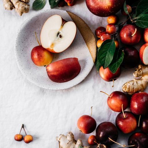 水果 苹果 海棠果 切半