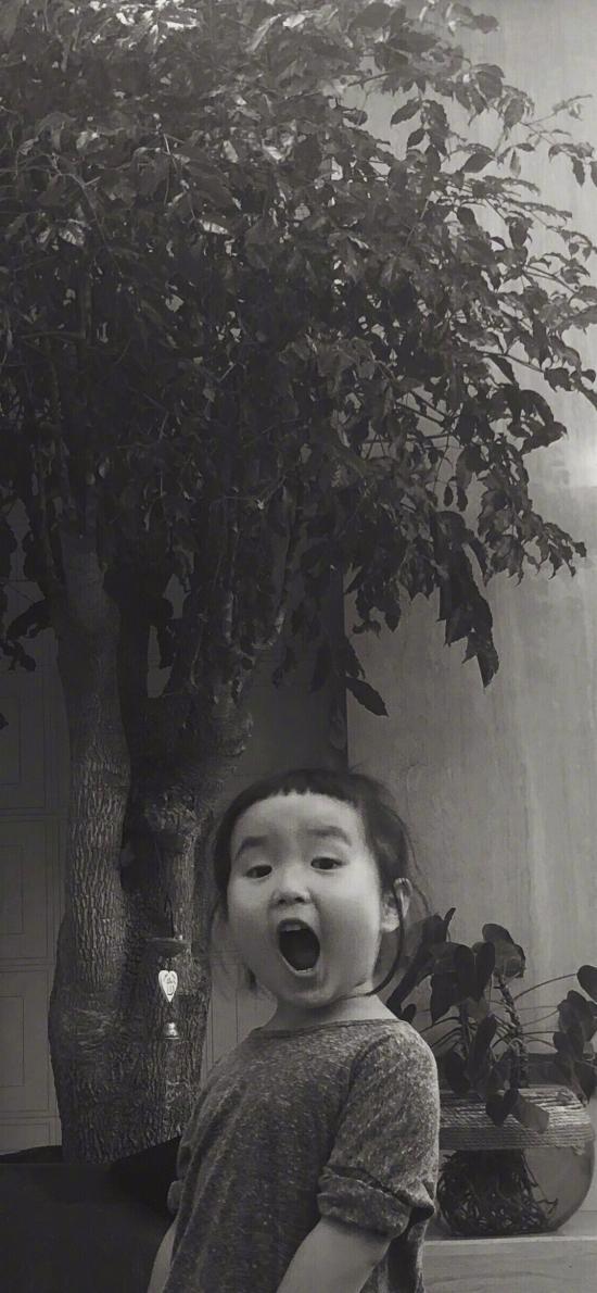 小蛮 小女孩 小网红 可爱 黑白 张嘴