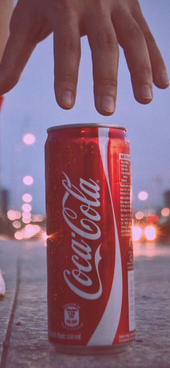 可口可乐 汽水 饮料 手