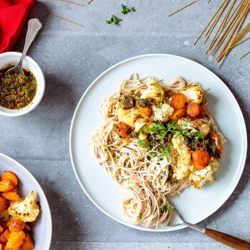 面食 花椰菜 胡萝卜 蔬菜