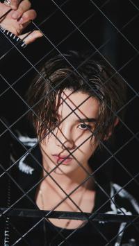 Justin 黄明昊 偶像 明星 歌手 铁丝网 NINE PERCENT